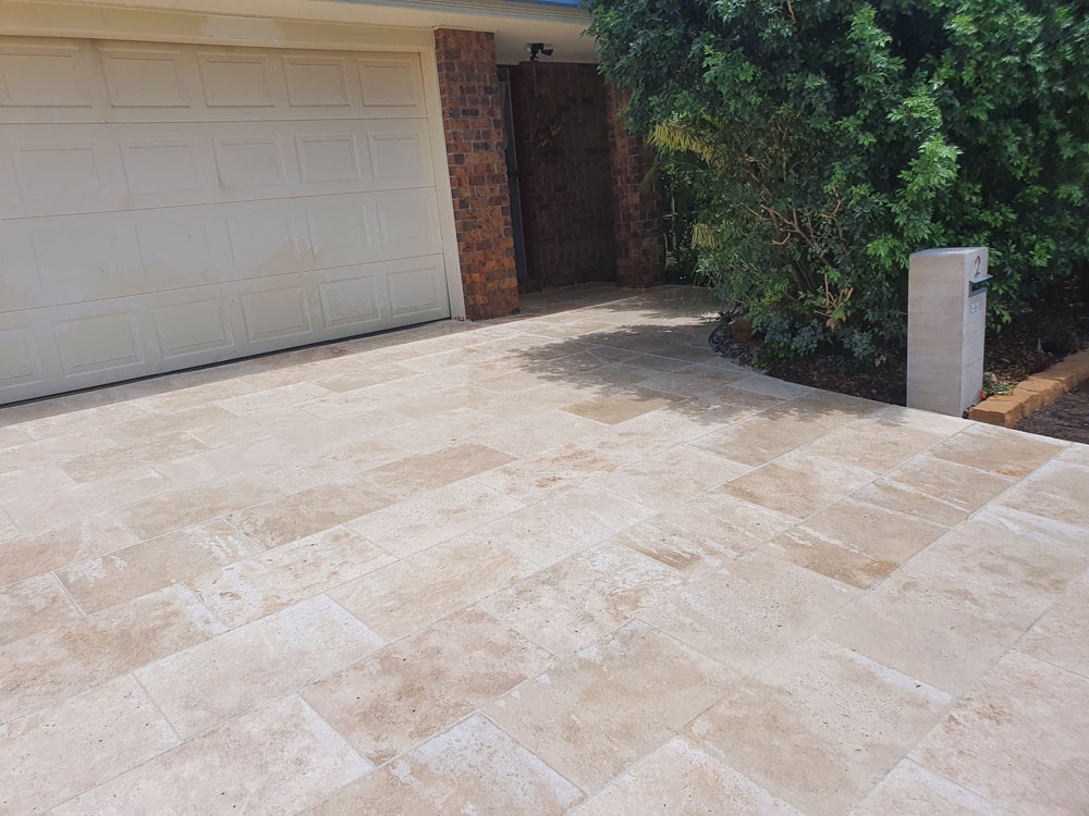 Tiling and paving hardscapes